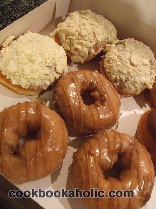 BoxDoughnuts (1)